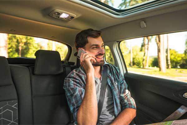 Cliente Taxi llamando